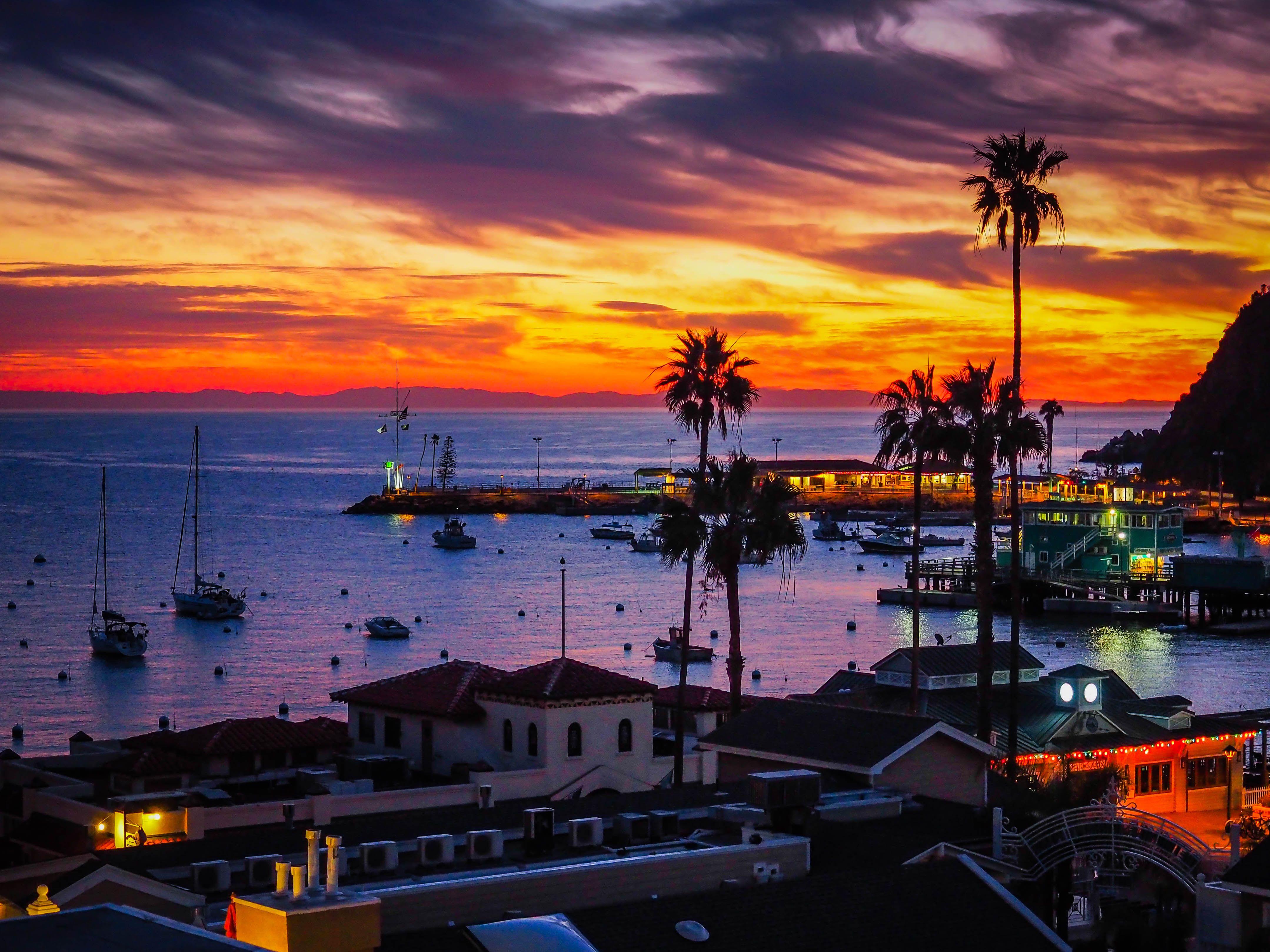 Sunset at Catalina Island CA [4317 x 3238] [OC] [OS