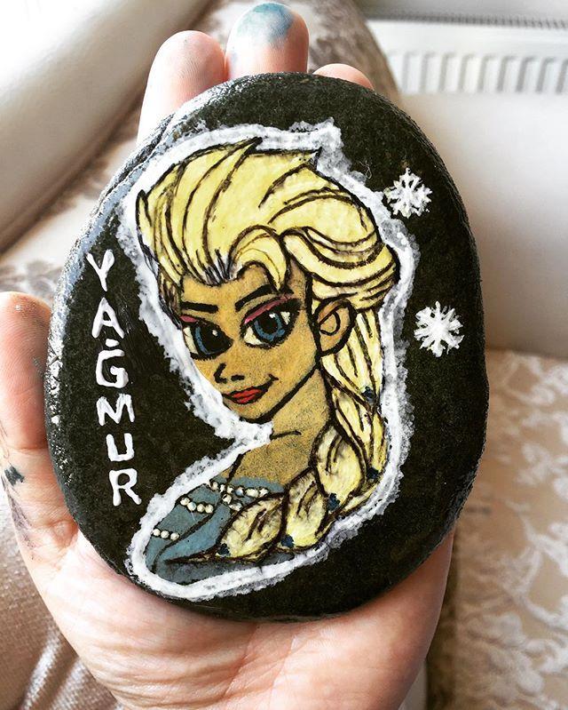 Küçük Yağmur'a teyzesinden çok sevdiği Elsa taş Magnet hediyesi hazır…