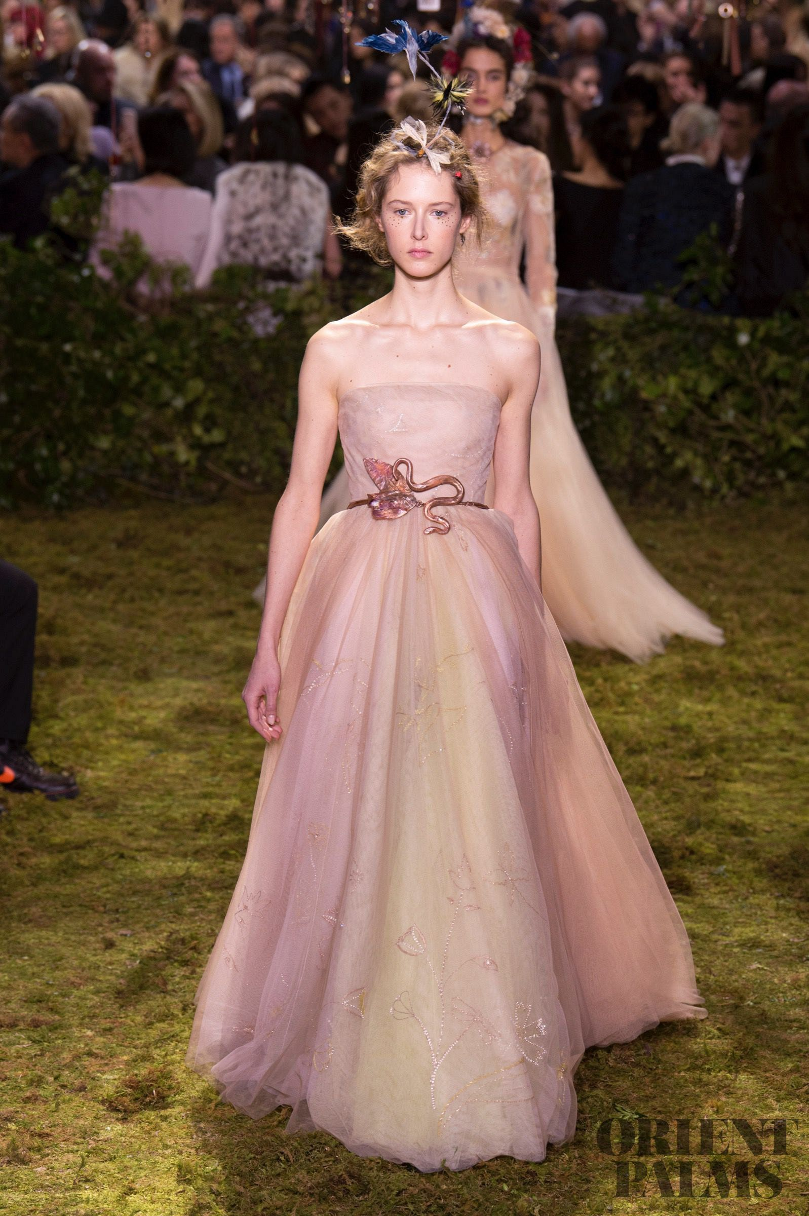 Vistoso Trajes De Novia Dior Fotos - Colección del Vestido de la ...