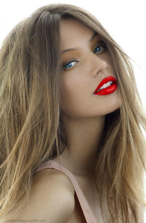 Blonde Hair Red Lips Hair Makeup Beauty