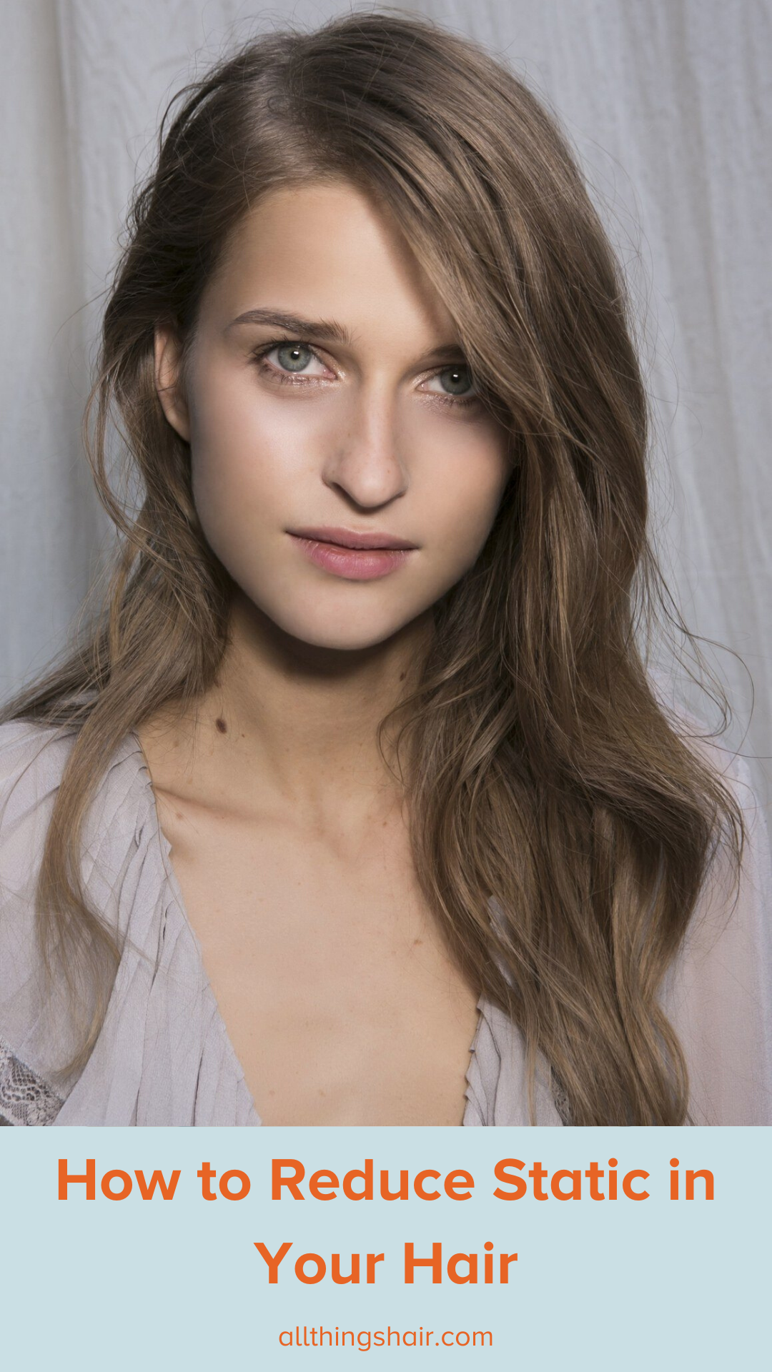 How to Get Static Out of Hair in the Winter (With images