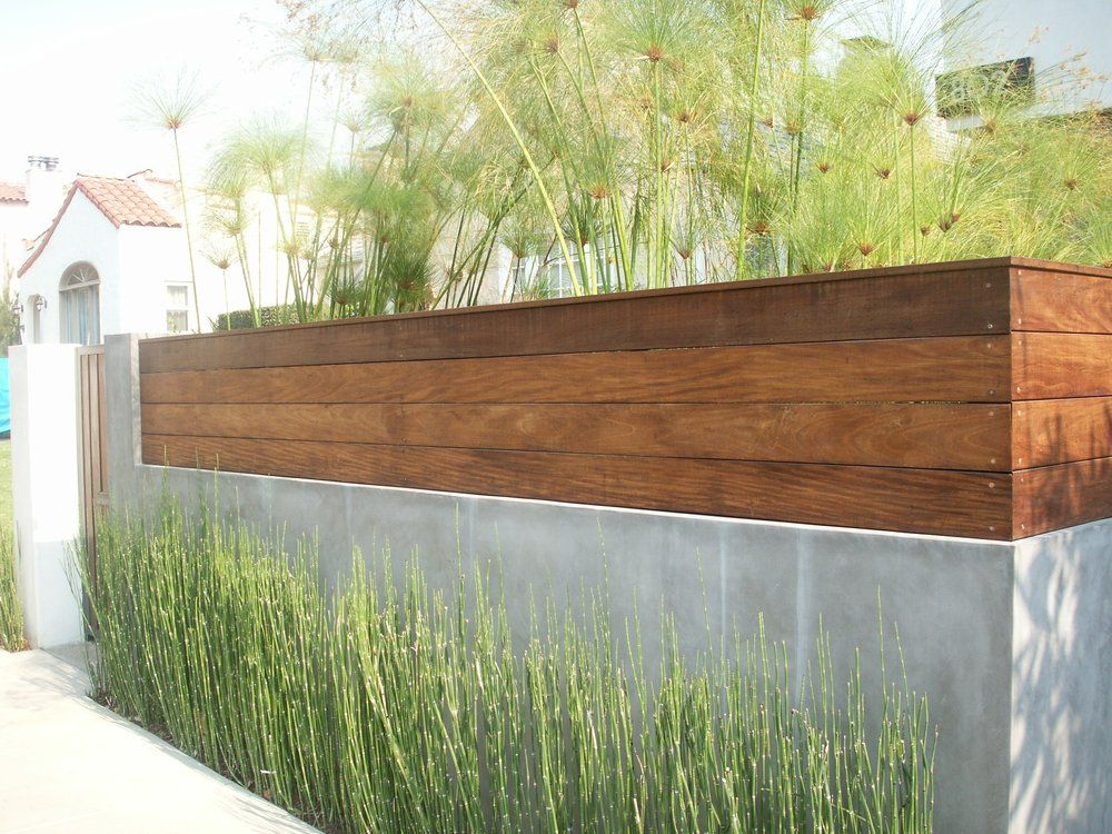 smooth stucco and Ipe wood fence