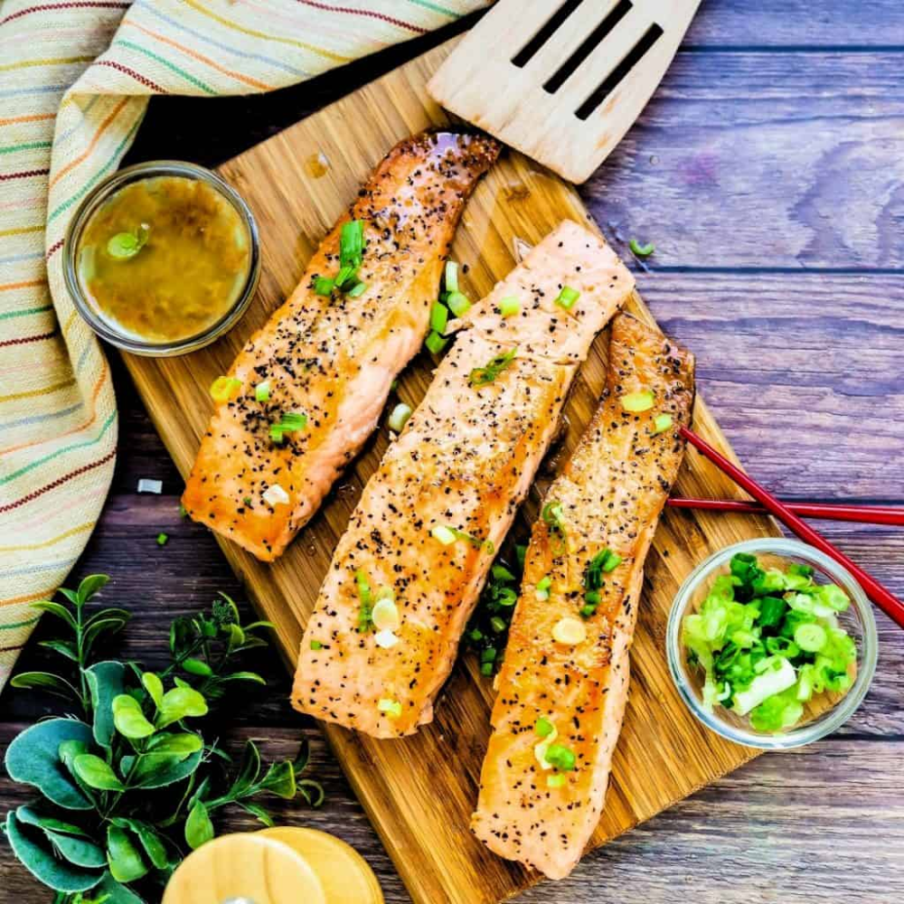 Yuzu Garlic Butter Japanese Style Seared Salmon #searedsalmonrecipes Yuzu Garlic Butter Japanese Style Seared Salmon | LowCarbingAsian #searedsalmonrecipes