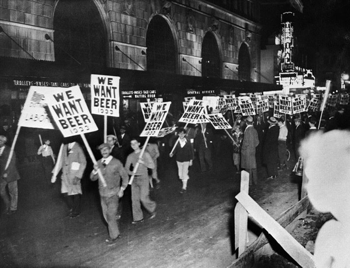 1920 prohibition outline The 1920's were a time of great change in the united states the purpose of prohibition was to reduce the consumption of alcohol and it was hoped this would cause a reduction in crime, poverty.