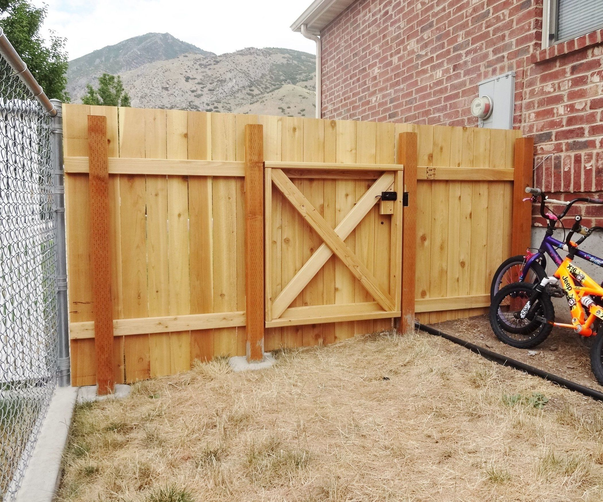 Build A Wooden Fence And Gate Wood Fence Gates Building A Wooden Gate Wooden Fence Gate