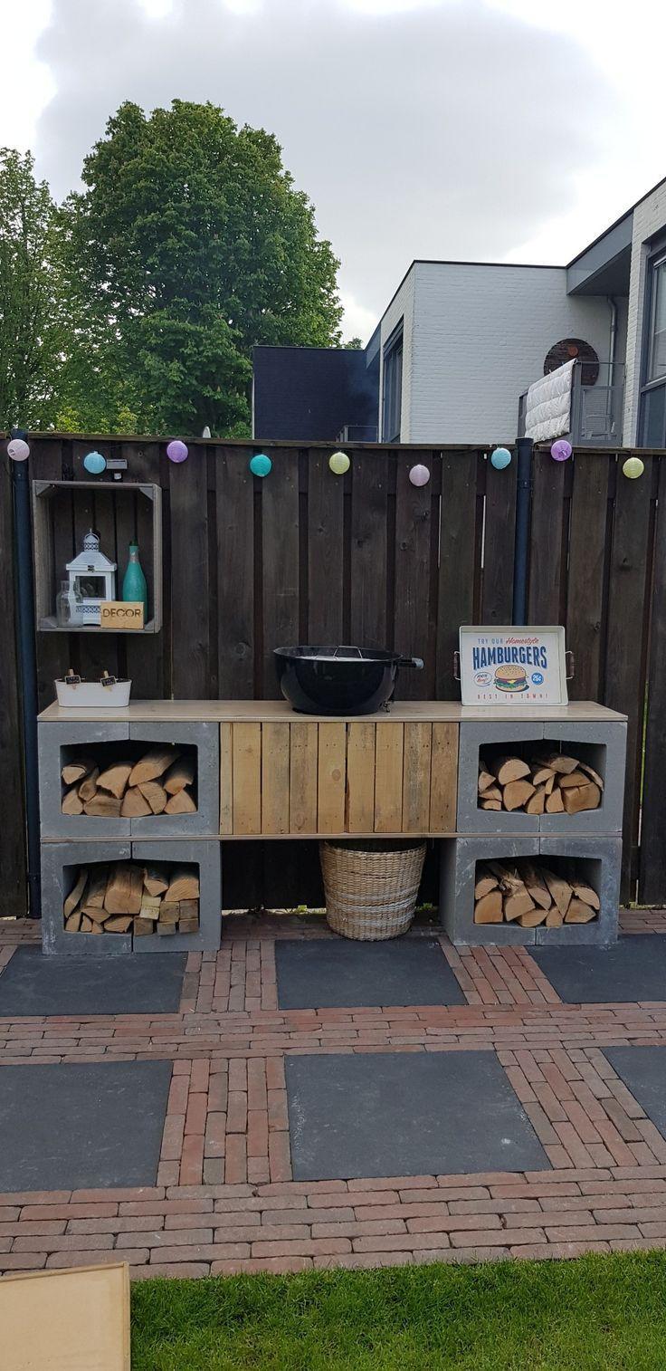 Outdoor-Küche mit Betonelementen Outdoor-Küche mit Betonelementen