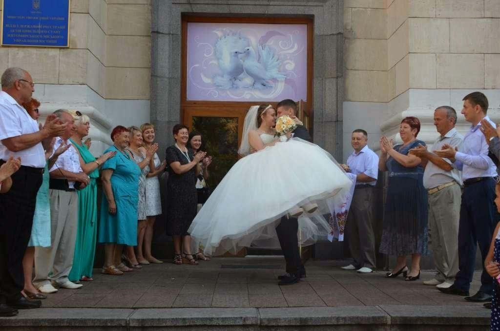 Боец сил АТО женился во время отпуска с фронта. ФОТО   Повна Торба - Новини України і світу