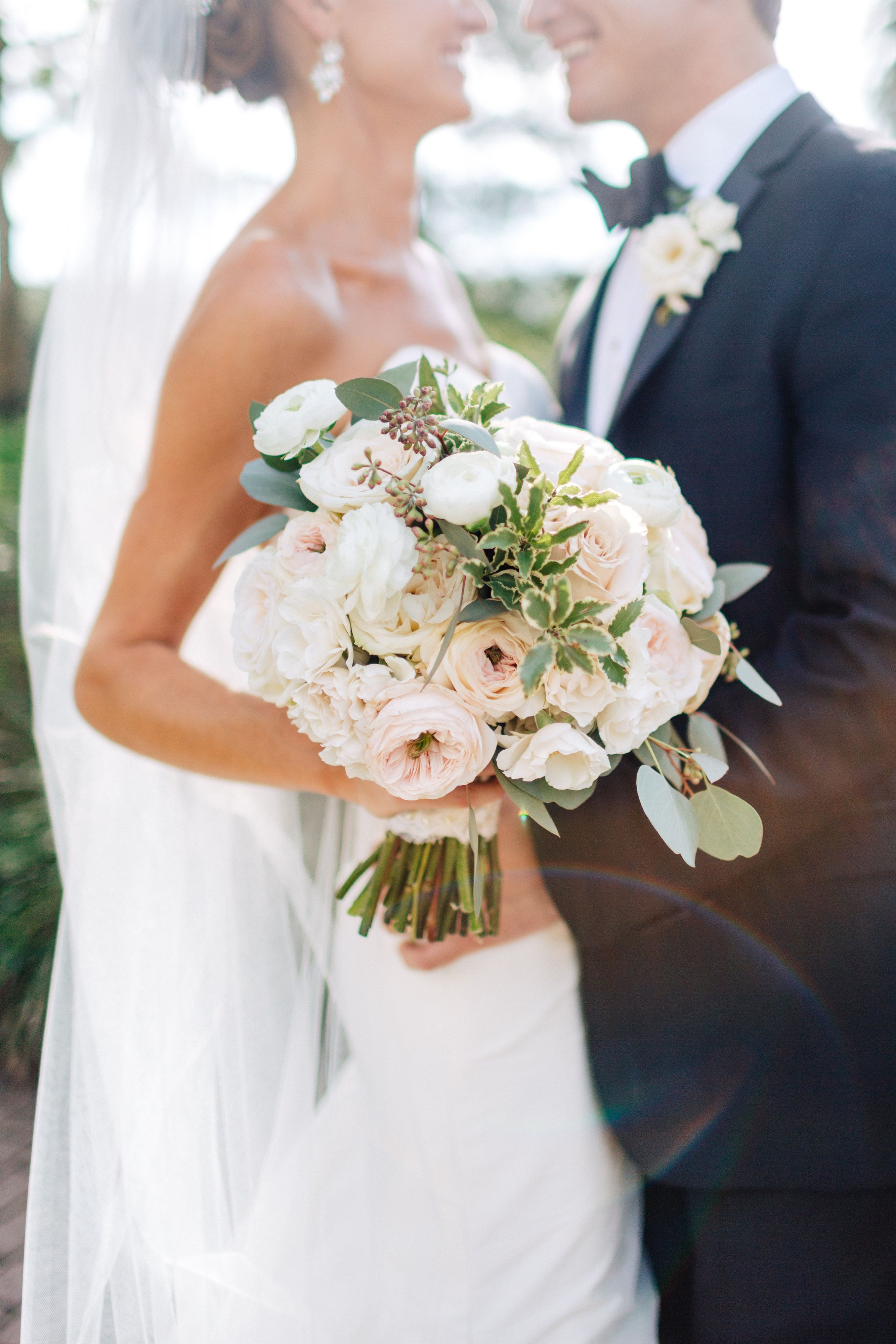 classic bridal bouquet of white ohara garden rose blush garden rosewhite - Blush Garden Rose Bouquet