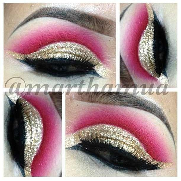 .@wakeupandmakeup | Wow, how great is this cut crease? Love it!  @Martha Fuentes  @Martha Fuentes  @Martha Fuentes