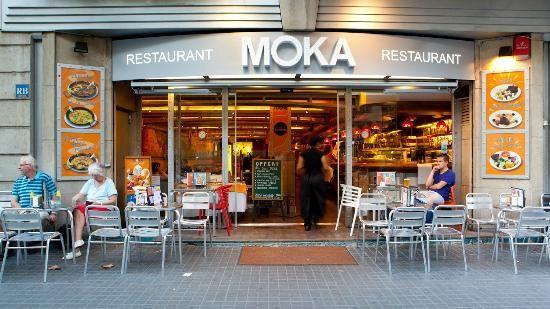 El Restaurante Es Grande Y Moderno Barcelona Spain
