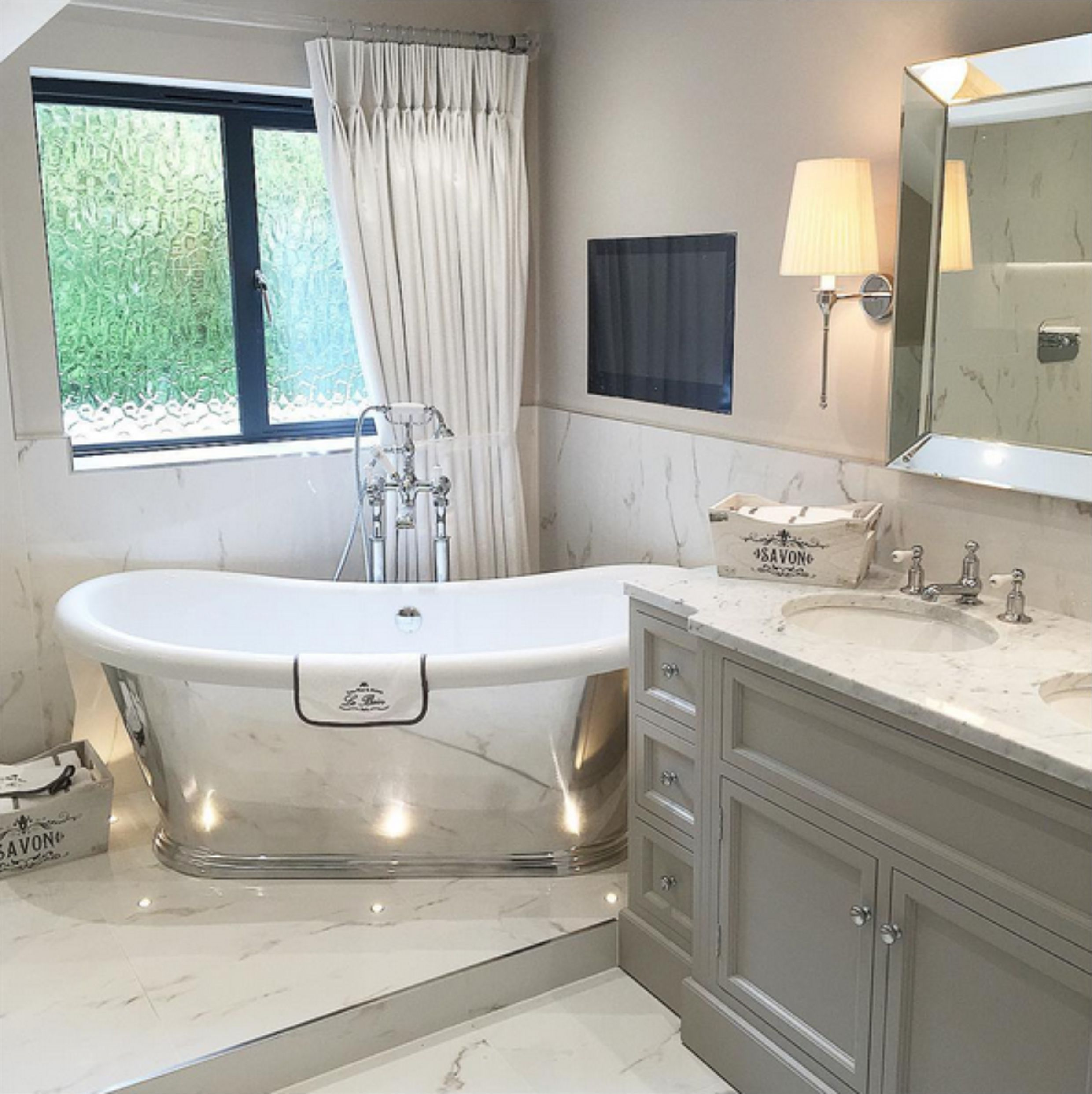 The polished boat bath by bc designs project by charlotte conway designs designer bathrooms Small yacht bathroom design