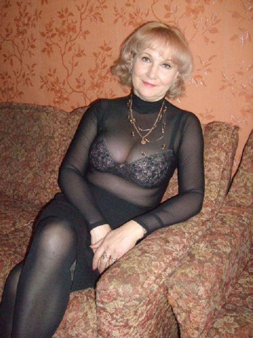 elegante reife sexy altere frau nackt