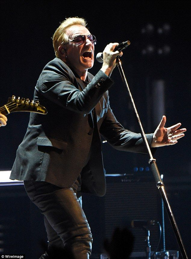 U2 kicks off Innocence + Experience tour in Canada after