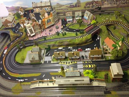 6 x 4 feet model train layout with 2 track and 2 siding's ...