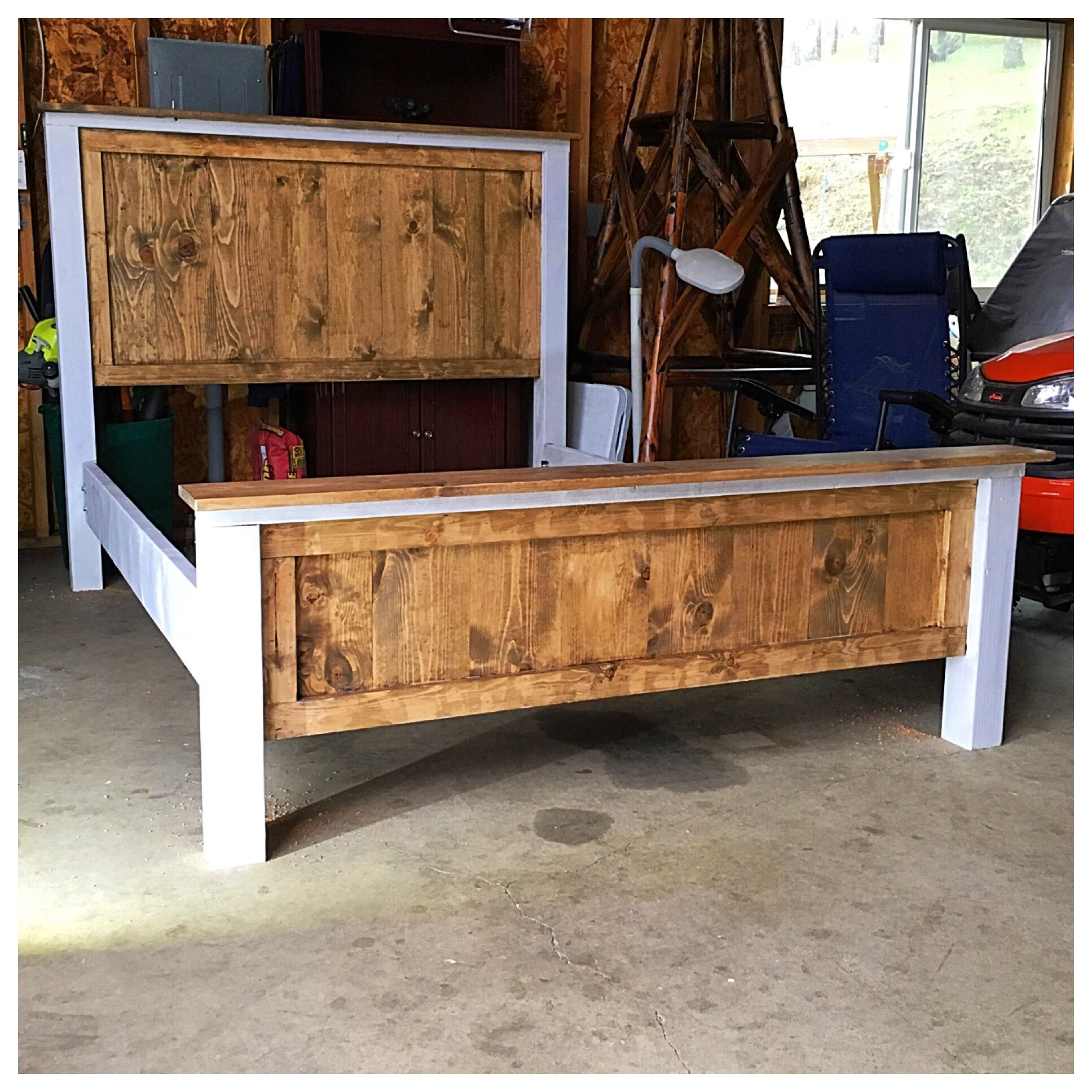 Two Tone Farmhouse Bed Diy Projects In 2019 Diy Bed