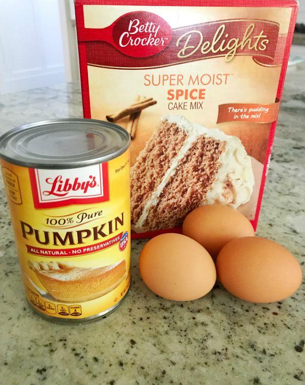 The Best, Easiest Pumpkin Muffins w/ Brown Sugar & Butter Crumble!