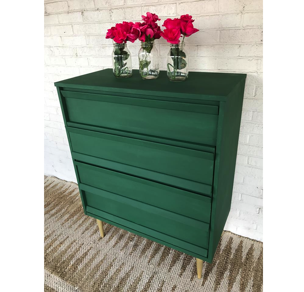 Amsterdam Green Chalk Paint® Projects To Inspire! This Dresser Is By South  Carolina Stockist Carolina Cottage Furniture