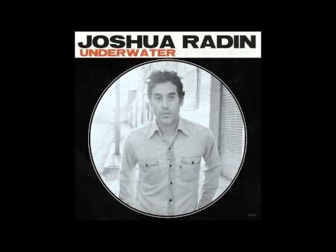 Joshua Radin The Greenest Grass Incredibly Beautiful Love Song Adoring The Violin Line Buried In The Chorus Too Musik Youtube