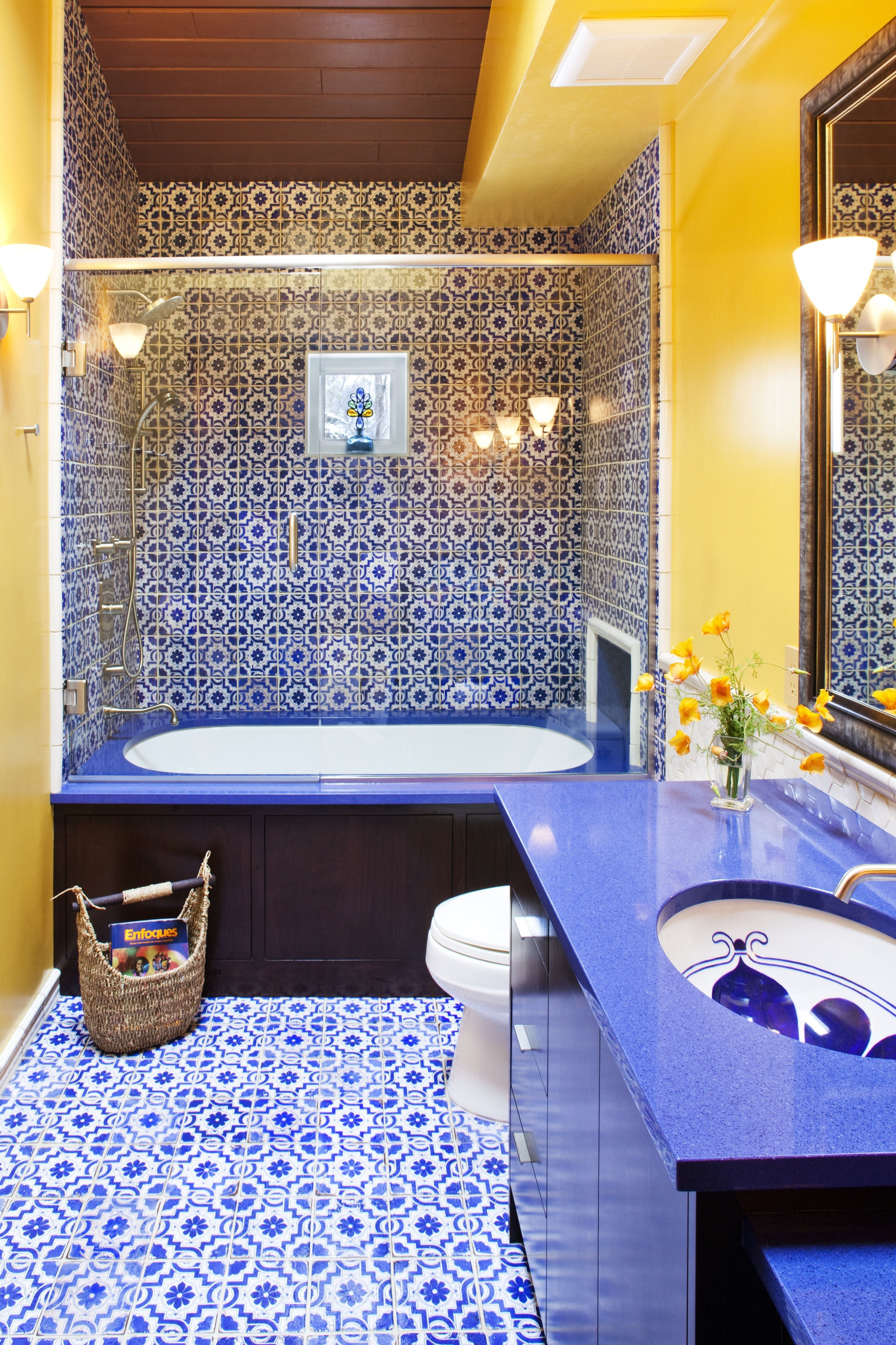 24 Fresh Blue And Yellow Bathroom Decor In 2020 Yellow Bathroom Decor Blue Bathroom Decor Yellow Bathrooms