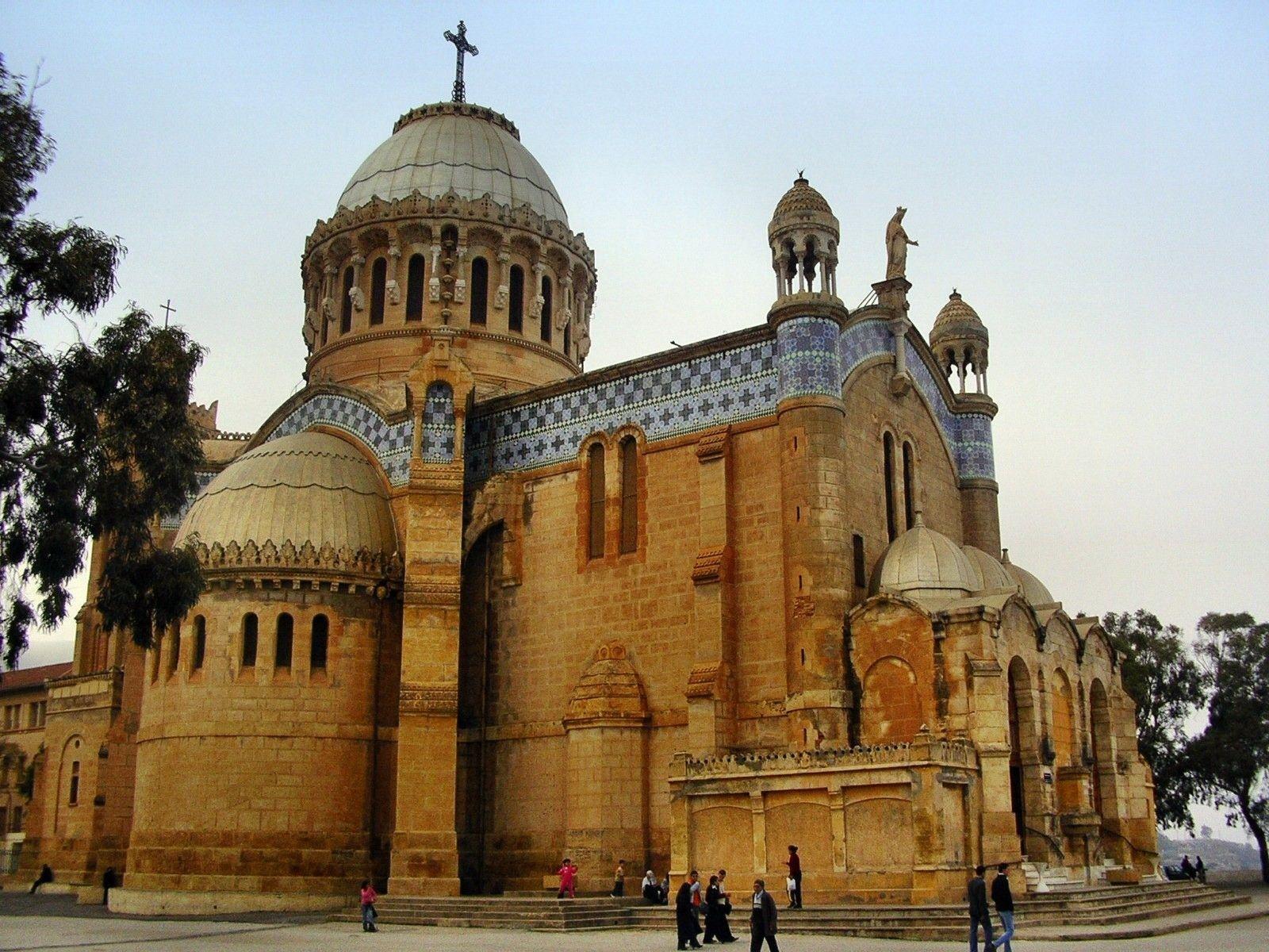 كنيسة سيدة أفريقيا، السياحة الجزائرية