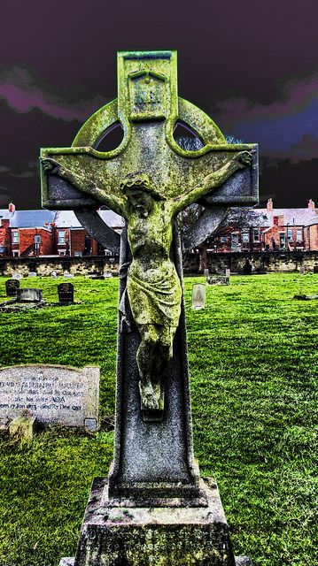 celtic cross by hexenomega, via Flickr