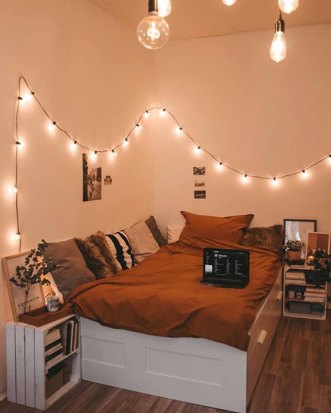 Provenance De La Photo Instagram My Bedroom Goals Interiordesign Interiors In 2020 Cozy Room Decor Cozy Room Room Decor