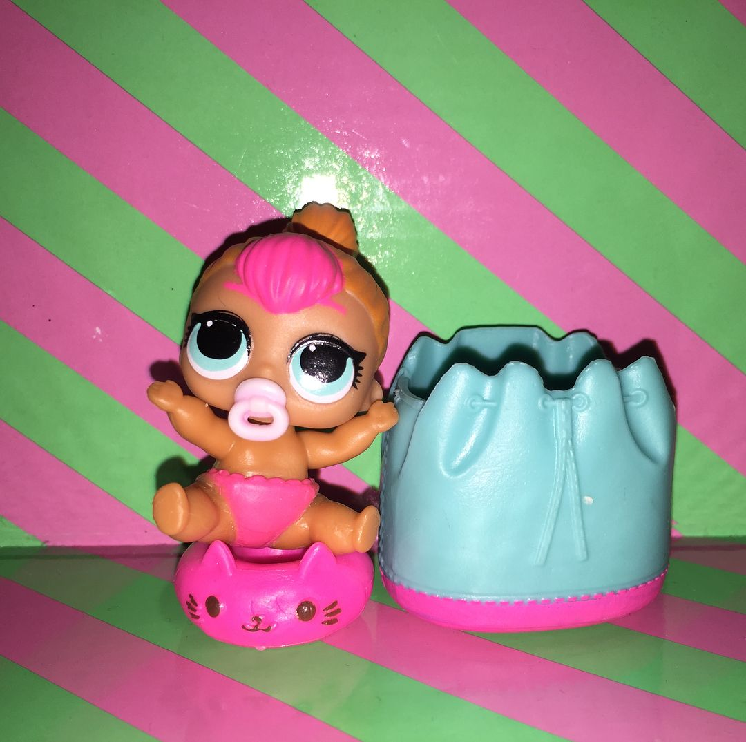 SERIES 2 dolls toys NEON Q.T With bag LOL Surprise LiL Sisters L.O.L