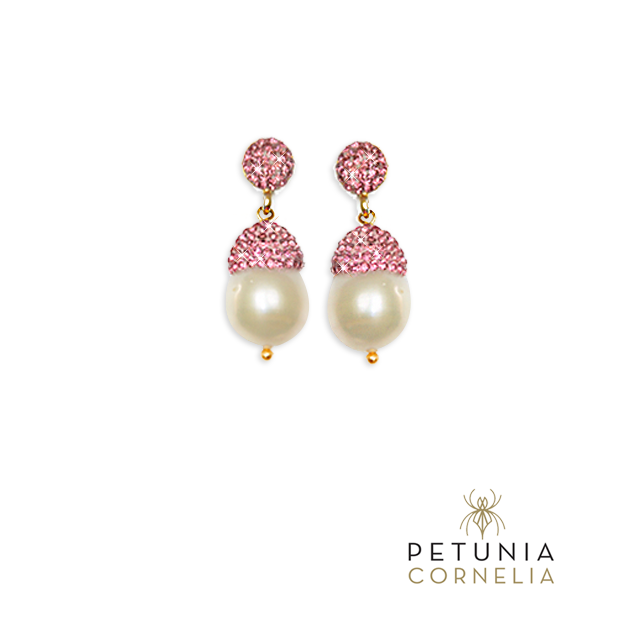 Handmade fine jewelry. Semiprecious stones, gold, silver, zirconia and Swarovski crystals. #earrings #finejewelry #jewelry #swarovski #luxury #accessories #beautiful #original #petunia Shop at our Etsy store (www.etsy.com/...) or via email: petuniacornelia@h... and phone USA: ⁺1-8328448633