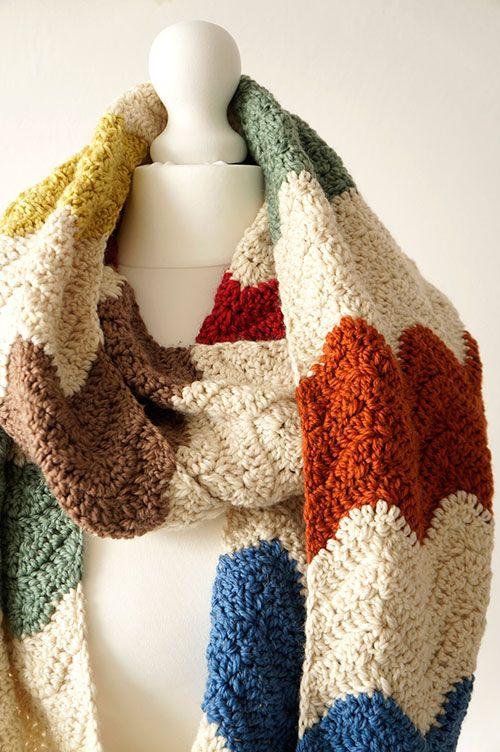 Zigzag infinity scarf crochet pattern by Little Doolally | Punto de ...