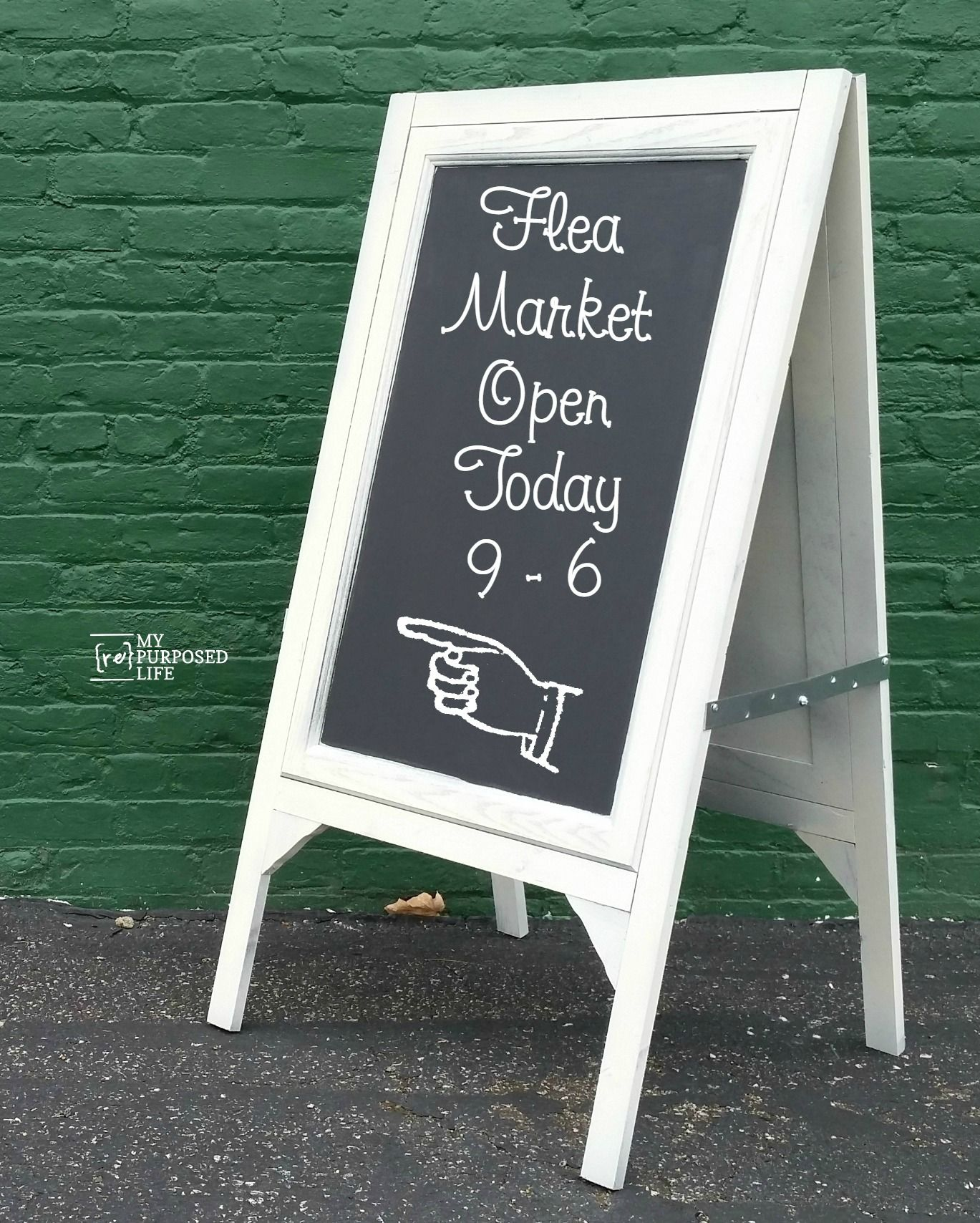 how to make a diy chalkboard easel using 2 large cabinet doors and some scrap wood perfect for cafe wedding or the kids