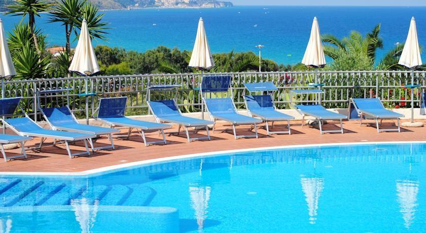 Strandurlaub In Kalabrien 7 Tage Im 4 Sterne Hotel Mit Halbpension