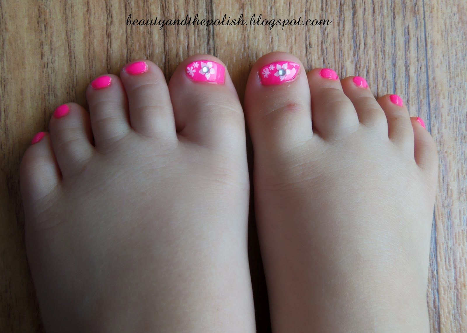 Beauty And The Polish Cute Summer Pedicure Summer Pedicure Summer Toe Nails Toenail Designs Summer