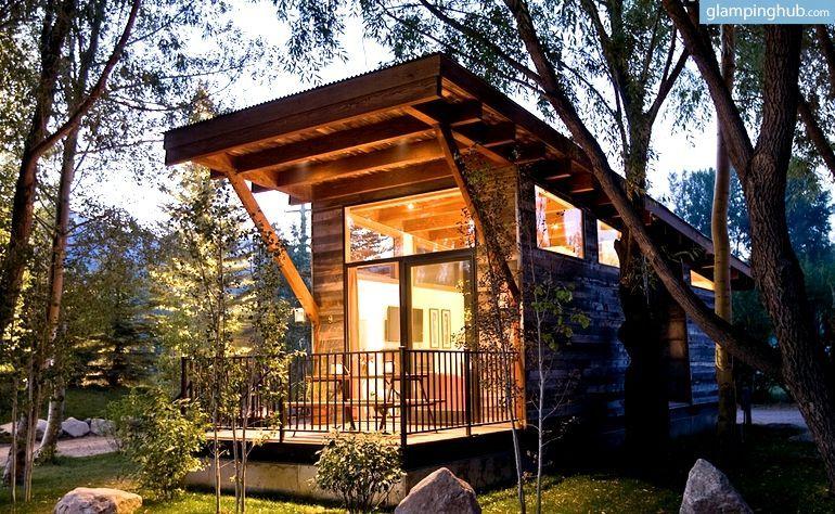 luxury cabins neighboring grand teton national park wyoming kleines haus auf r dern kleines. Black Bedroom Furniture Sets. Home Design Ideas