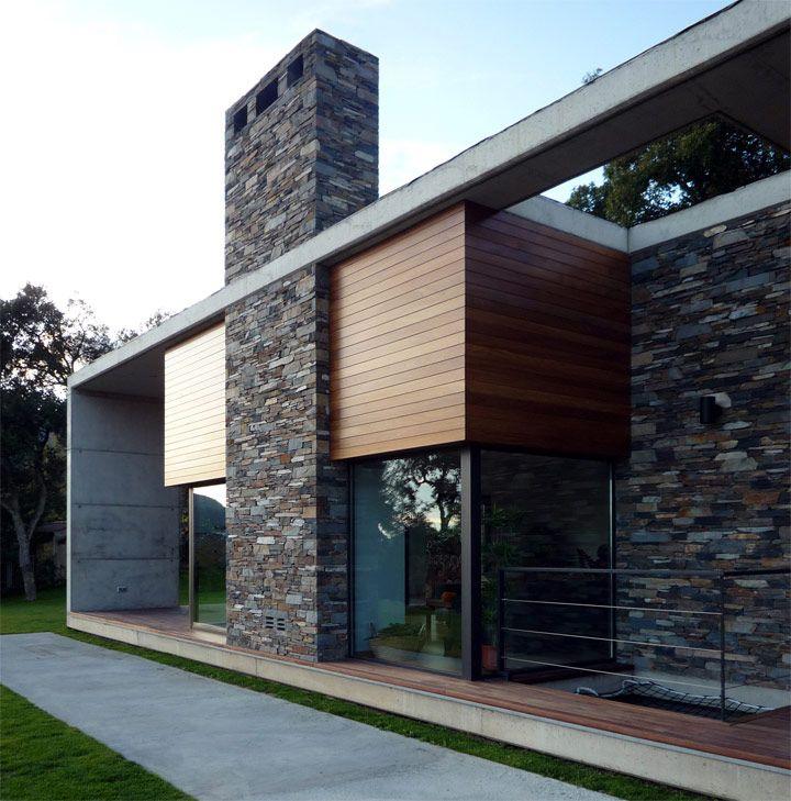 Salas Estudio De Arquitectura / Vivienda En Montseny