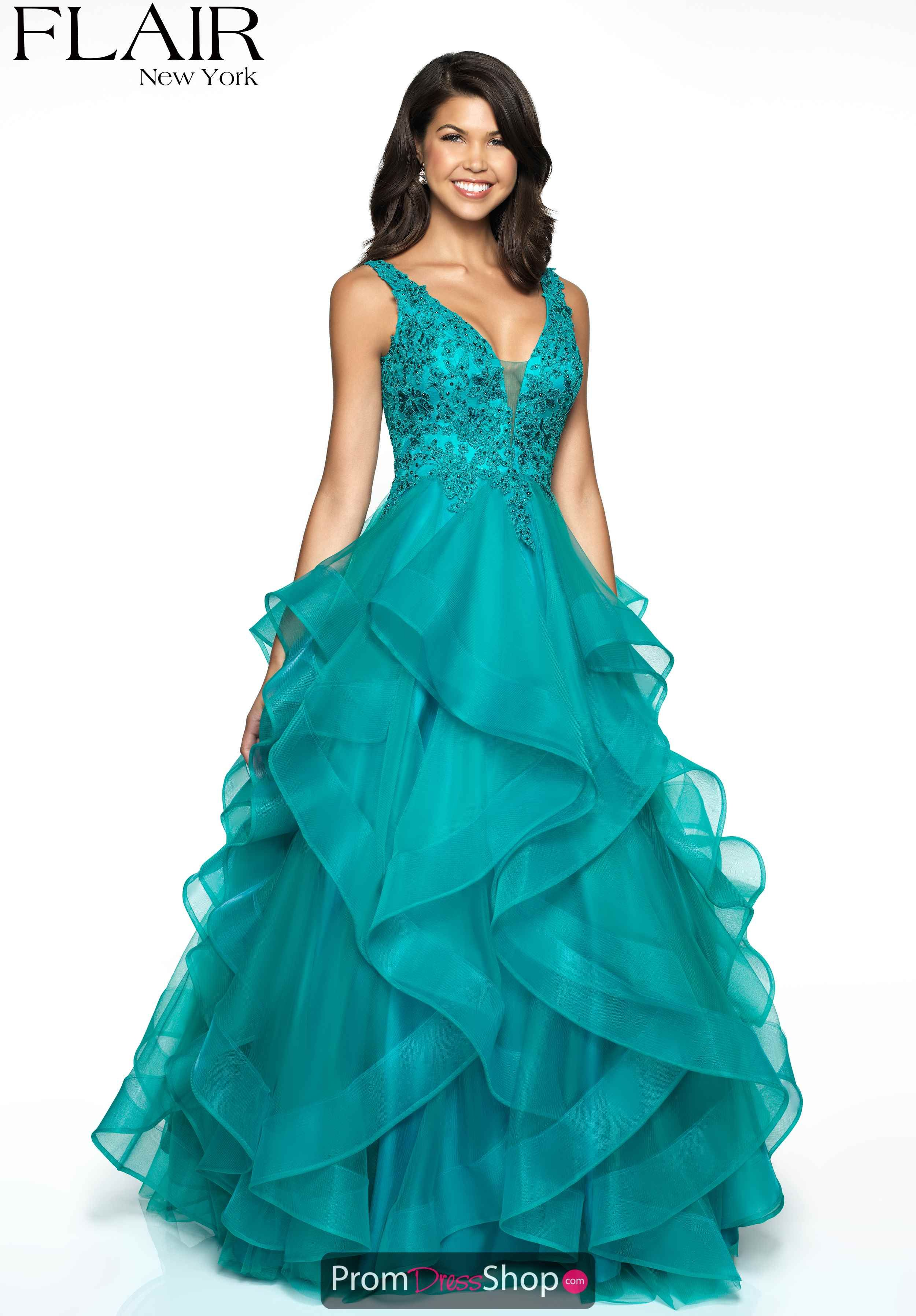 32b24b2b7106 Teal High Fashion Trends, Prom Dress Stores, Fitted Bodice, Lace Detail,  Green