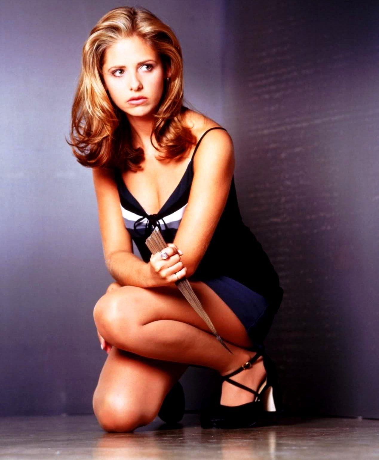 Buffy Summers- Buffy The Vampire Slayer | Sarah michelle ...
