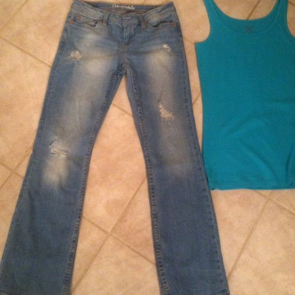 c3c0ba76e39 Chelsea boot cutt short size 4 jeans Aeropostale Ripped up jeans medium  color siZe 4 chelsea boot cutt Aeropostale great jeans very pretty pair has  been ...