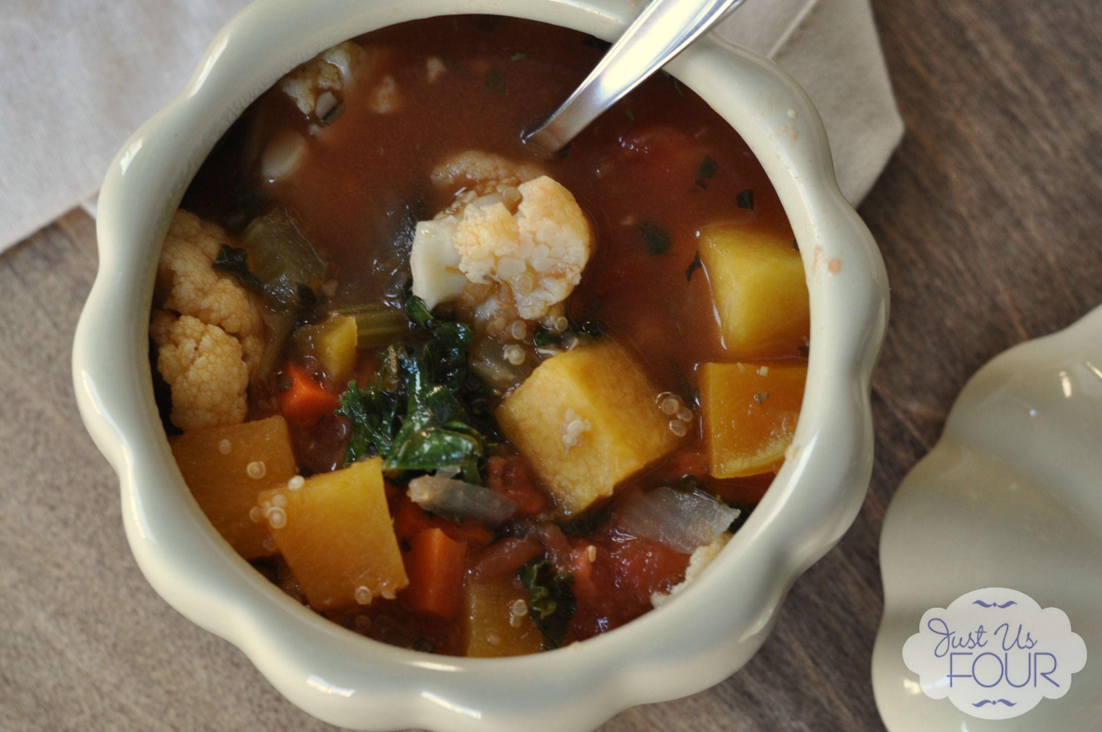 Vegetable Quinoa Soup top View_wm
