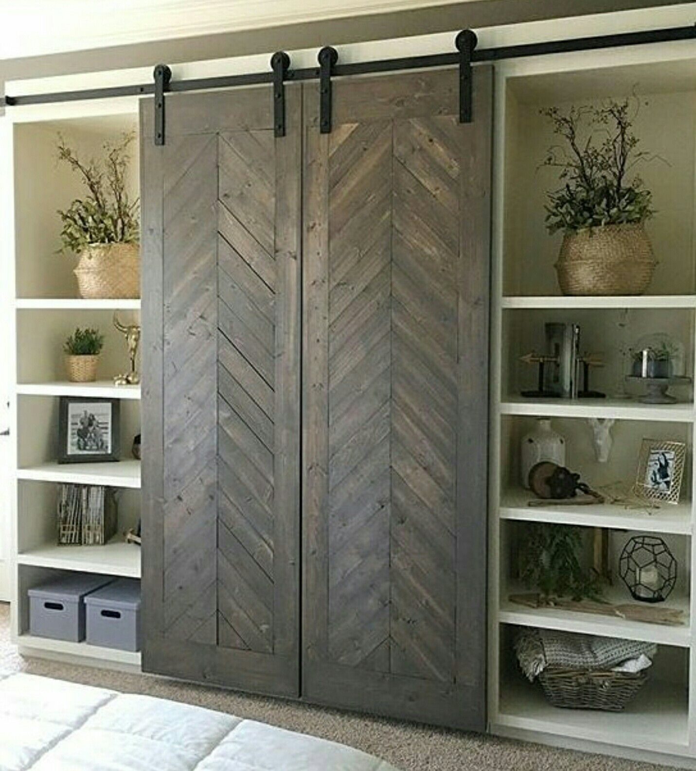 Love These Barnyard Doors