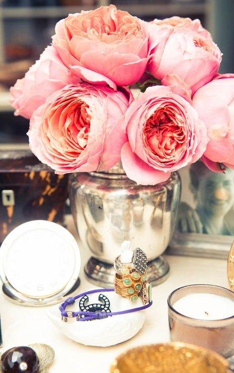 alegres flores rosas