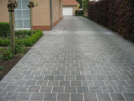 Opritten parking floor pinterest gardens yards and front yards - Allee steen ...