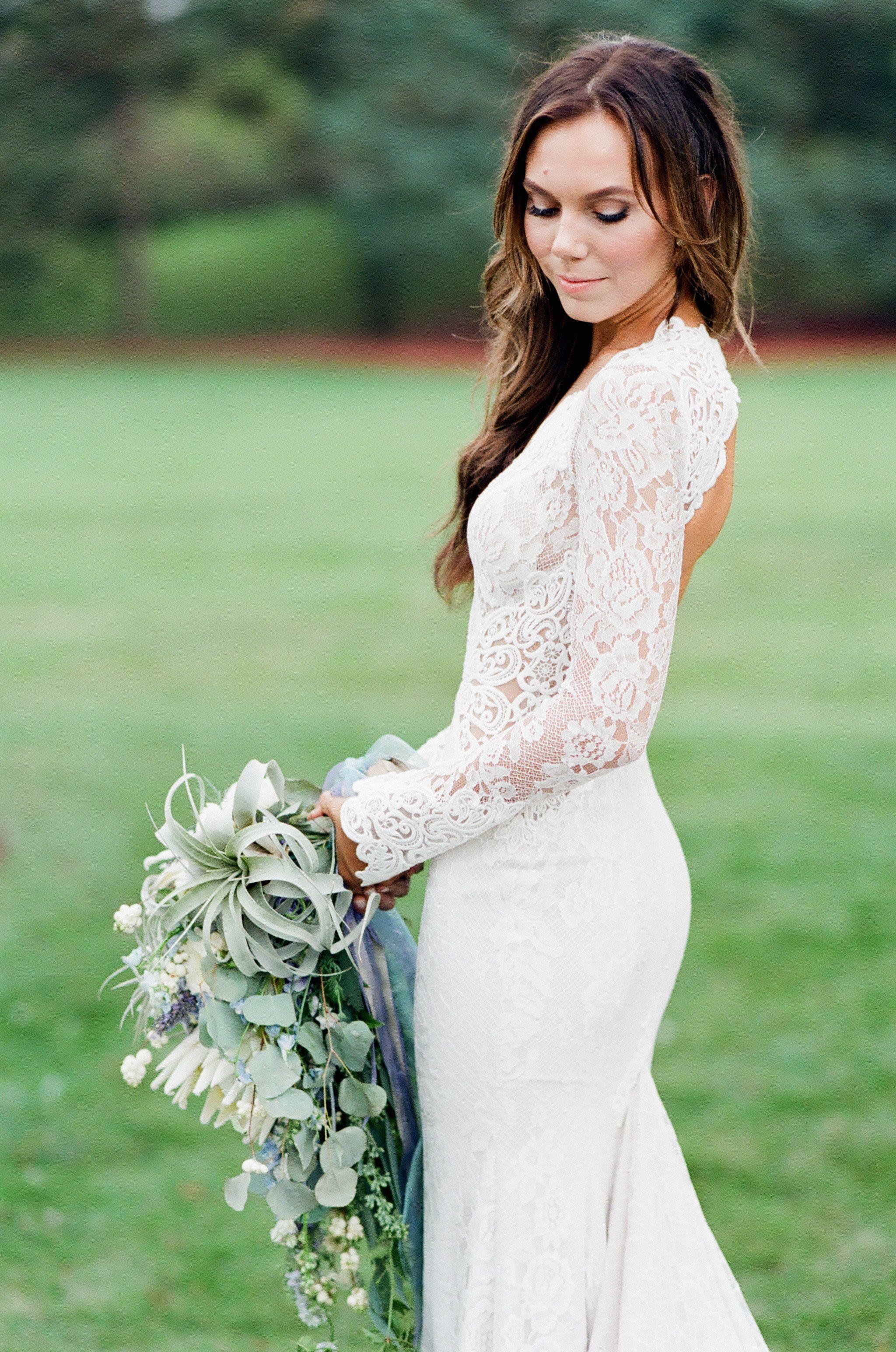 Stunning White Lace Long Sleeve Wedding Dress