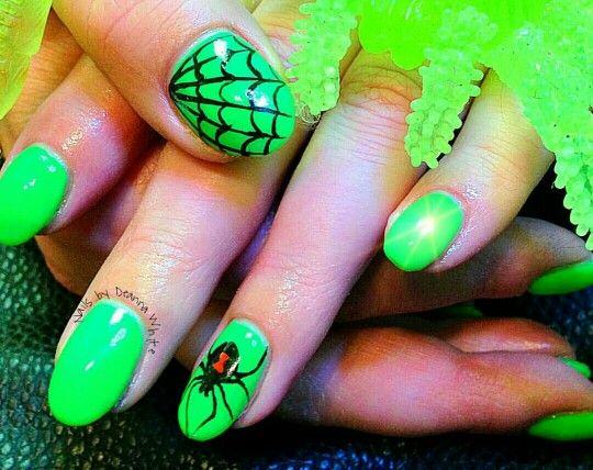 Green spooky black widow nails #nailart #nails #spooky # ...