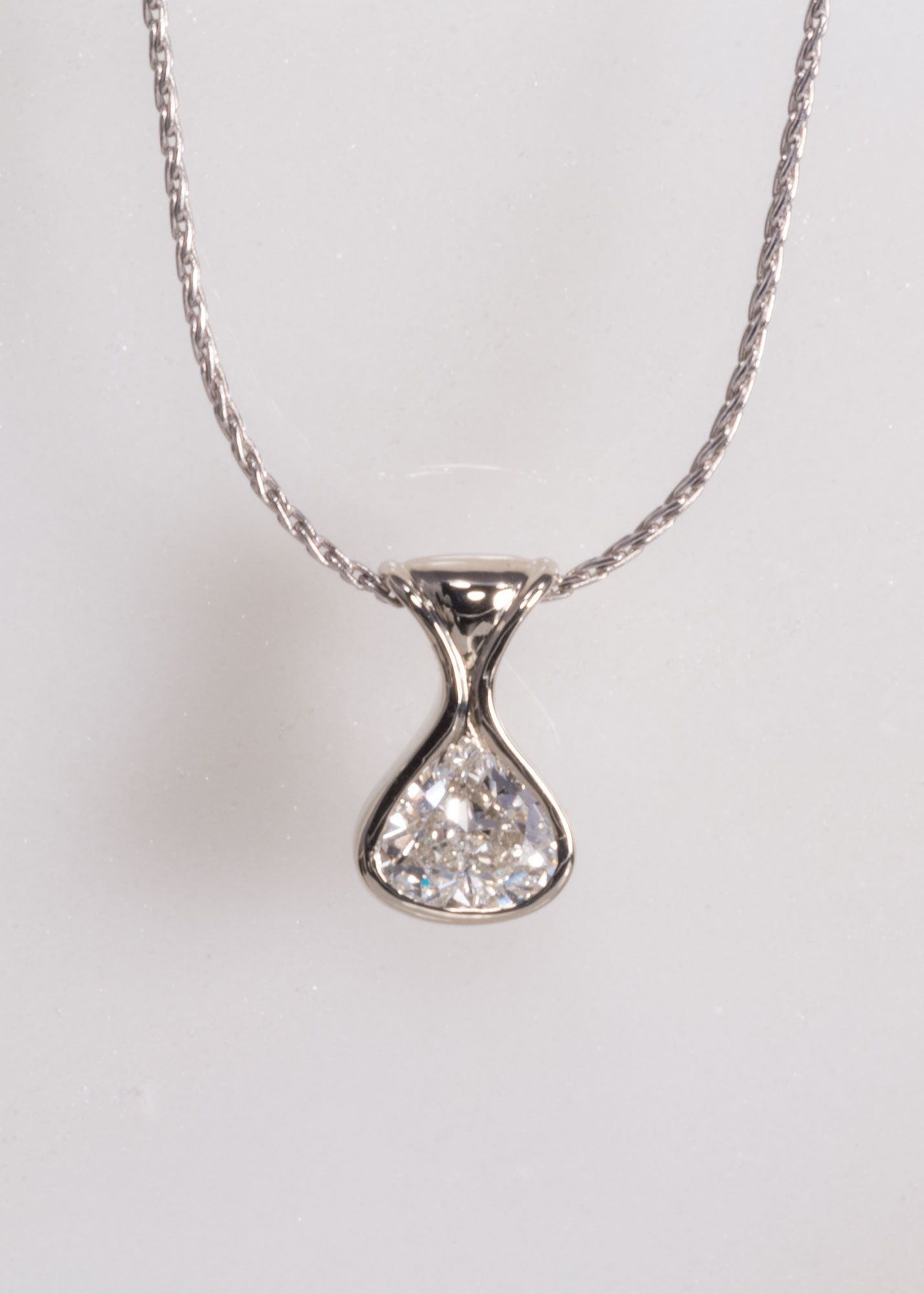 shaped halo with diamond pendant dsc double pear