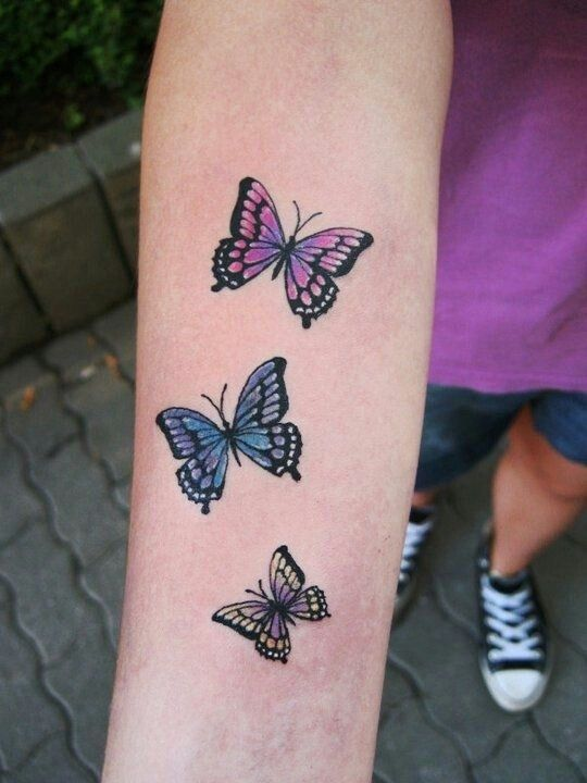 Small 3d wolf female tattoo design pictures best tattoo for Butterfly tattoo arm designs