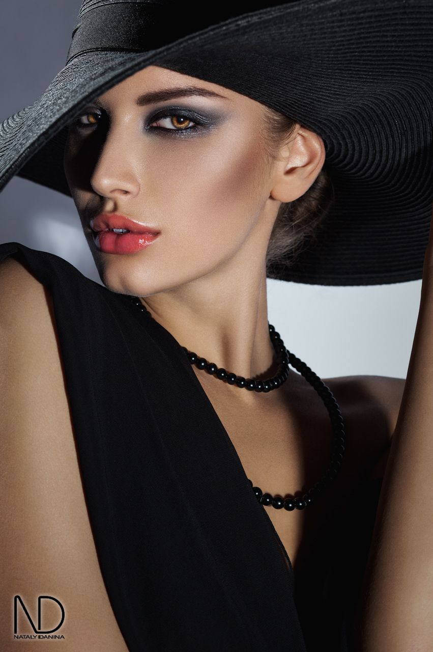 Portrait - Fashion - Black - Hat - Photography - Red Lips