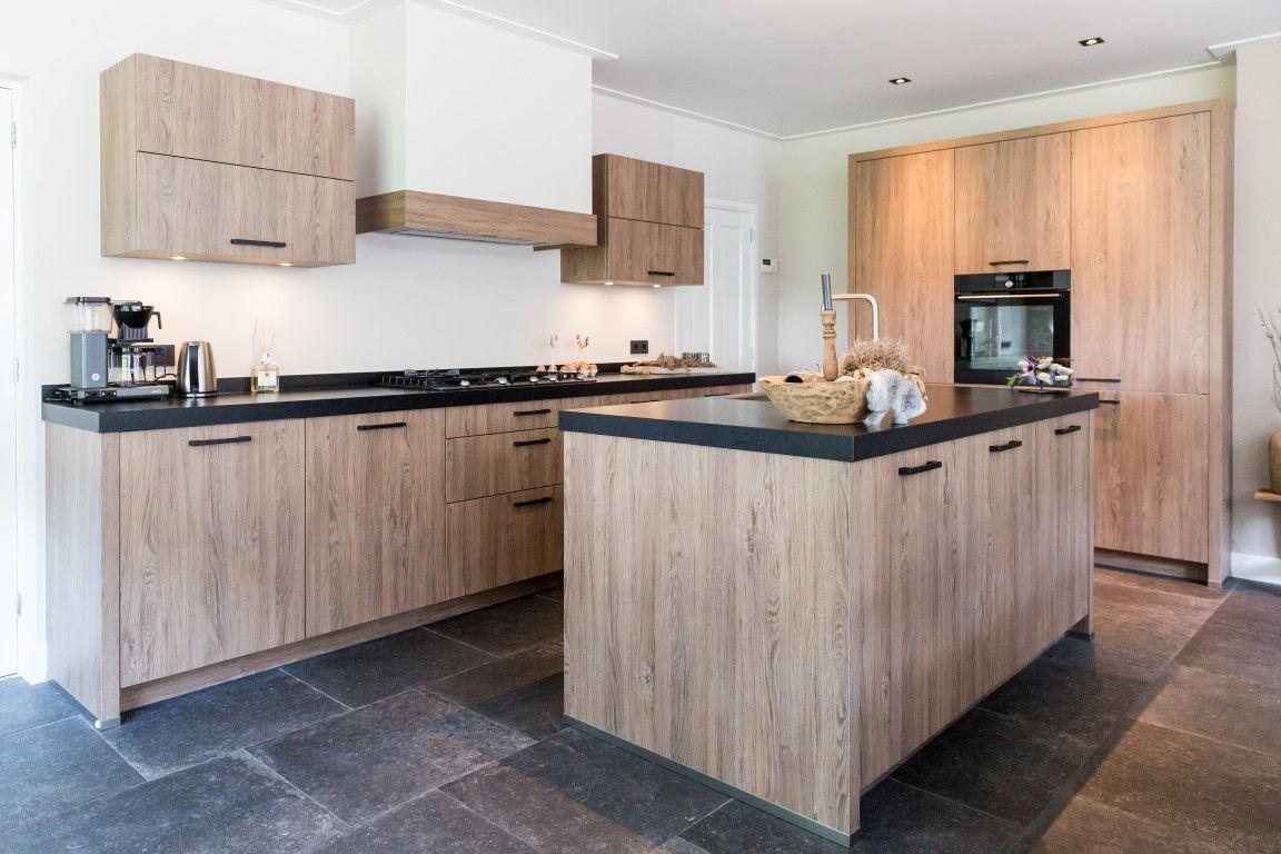 Landelijke Tegels Keuken : Woonkeuken keramische tegels 60x60 vloertegels zwart robuust