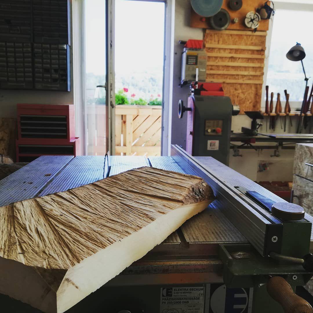 Aus diesem Stück Birnenholz entsteht ein Kaffemühlenmahlbrett und ein Kaffeemühlenmalwerkschuber ☝🏼