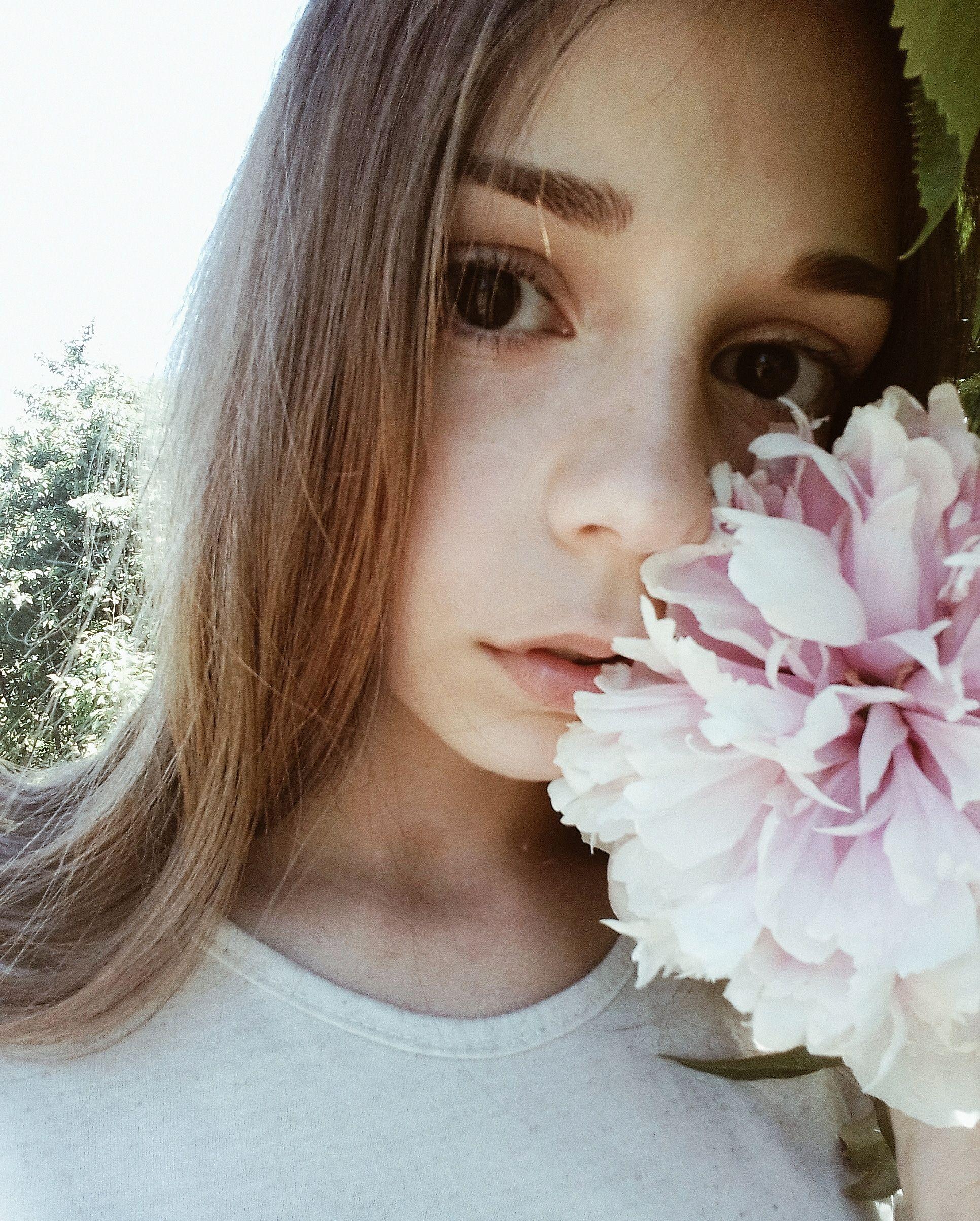 Селфи девушек дома 15 лет