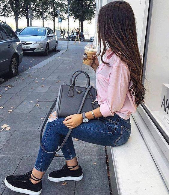 Cómo Combinar Zapatillas Negras – [20 Looks]